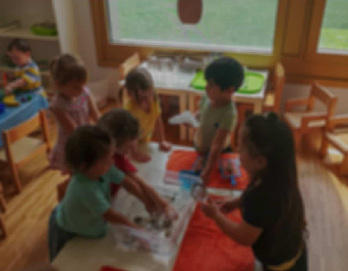 Kinder in der Kindergruppe spielen